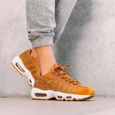 best sneakers f8b67 488cf Nike Air Max 95 by  overkillwomen . . .  gomf  girlsonmyfeet Mode,