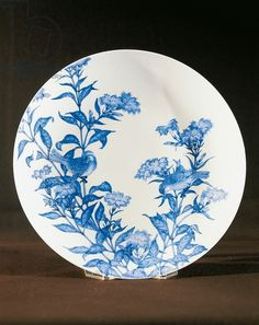 Large plate, blue and white Nabeshima porcelain, Japan, 17th-18th century
