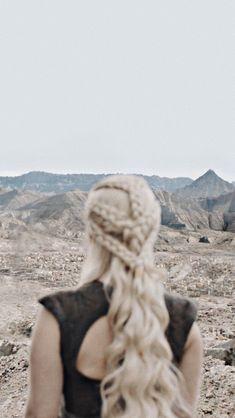 Got: Daenerys Targaryen Game Of Thrones Ghost, Game Of Thrones Queen, Arte Game Of Thrones, Got Dragons, Mother Of Dragons, Winter Is Here, Winter Is Coming, Emilia Clarke, Daenerys Targaryen Aesthetic