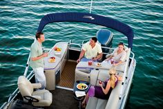 2013 Bennington 2250 GBR. Lunch while boating, anyone? #pontoon #picnic