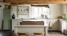 deVOL Kitchens make the Classic English Kitchen, Shaker Kitchen and Air kitchens. All our bespoke kitchens are handmade by deVOL cabinet makers in our Leicestershire workshops. Devol Shaker Kitchen, Shaker Style Kitchen Cabinets, Devol Kitchens, Shaker Style Kitchens, Kitchen Cabinet Styles, Farmhouse Kitchens, Kitchen And Bath, New Kitchen, Basement Kitchen