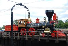 steam engine trains | On the turntable -- Leviathan steam locomotive at Train Festival 2009 ...