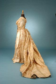 1882-4 Court Presentation/Wedding Gown English Trousseau - Fine Antique Fashion
