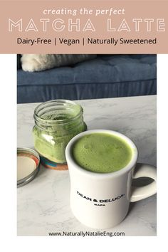 Matcha latte recipe and matcha latte benefits. Dairy-free and vegan matcha latte, only 4 ingredient healthy matcha latte recipe Best Matcha Latte Recipe, Matcha Tea Latte, Best Matcha Tea, Matcha Green Tea, Non Alcoholic Cocktails, Drinks Alcohol Recipes, Drink Recipes, Morning Drinks, Matcha Benefits