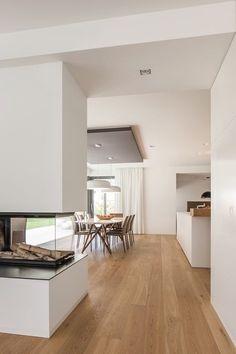BDA + Innenarchitekten, Neumarkt: Neubau WH D Mittelfranken Modern Interior, Home Interior Design, Interior Architecture, Fireplace Design, Modern Fireplace, Open Plan Living, Style At Home, Home Fashion, Home And Living