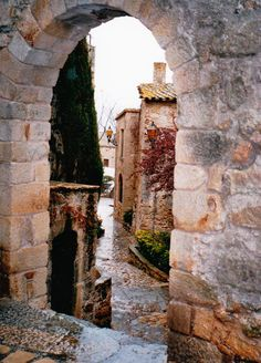 RACÓ VIATGER de Mariló: GIRONA: Les viles medievals de PALS, BESALÚ i SANTA PAU