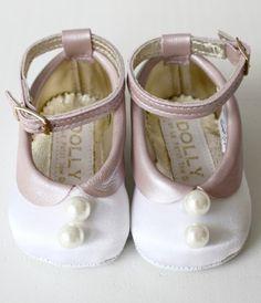 Zapatitos para bebés, calzado infantil para niñas de Dolly http://www.minimoda.es