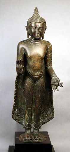 Lot : Pagan Standing Buddha from Burma Period: 11th-12th century Height: 72 cm. With wooden[...]