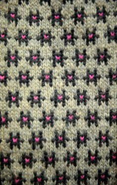 Latvian pattern || Haven't tried faire isle or stranded work yet. I love it but I'm afraid.