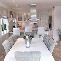 Inspiração ✔️ Um charme... #ambientes #archdesign #arquitetura #archlovers #inspiração #arquiteturadeinteriores #homedecor #homestyle #home #homedesign #style #interiores #saladejantar #cozinha #instahome #instadecor #instadesign #design #interiordesign #luxury #produção #decoreseuestilo #desingdecor #decore #decoração #decorando #decordesign #referencia #decoraçãodeinteriores #decorazione