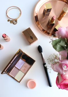 The Budget Highlighting Palette That's On Everyone's Face