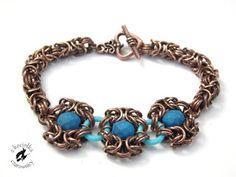 Z kociołka czarownicy: Kolejna fotoinspiracja -  neon blue chainmaille bracelet, Romanov & Byzantine