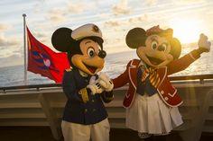 Disney Cruise Line Mickey Minnie Disney Halloween Cruise, Disney Fantasy Cruise, Disney Cruise Door, Disney Cruise Ships, Disney Vacations, Mickey And Minnie Love, Mickey And Friends, Disney Mouse, Disney Fun