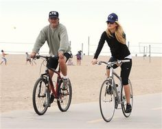 Kate Hudson and Kurt Russell on Bikes