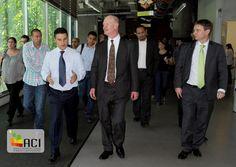 El Ministro Británico y una delegación de instituciones públicas y privadas del Reino Unido llegaron a Medellín para estrechar los vínculos en el ámbito de investigación, ciencia y tecnología a nivel nacional y regional.