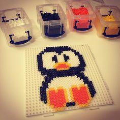 Penguin hama beads by tamwisegamges Hama Beads, Fuse Beads, Penguins And Polar Bears, Melting Beads, Beaded Animals, Bead Crafts, Needlework, Diy, Luke Hemmings