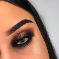 """❤️ @chicfab_mua BROWS: #Dipbrow pomade in """"dark brown"""" & clear brow gel EYES: Soft Glam Palette (orange soda, burnt orange, sienna, mulberry, noir, bronze) GLOW: #ABHxAmrezy Highlighter"""