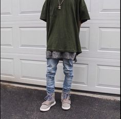 ID on the green shirt or something similar? - Imgur