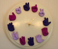 Einzigartige Gebärdensprache Clock  Telling von SignLanguageHands