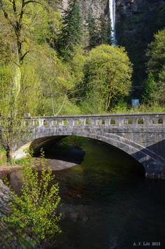 HCRH Bridge and Multnomah Falls by A. F. Litt on 500px