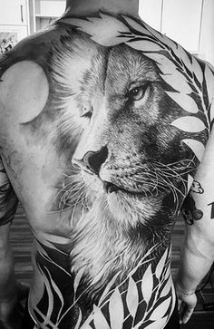 Beautifully Done Life Like Realistic Lion Back Tattoo regarding sizing 1080 X 1151 Realistic Back Tattoos - In today's society back tattoos for females Leo Tattoos, Future Tattoos, Animal Tattoos, Black Tattoos, Body Art Tattoos, Sleeve Tattoos, Tatoos, Movie Tattoos, Full Body Tattoo