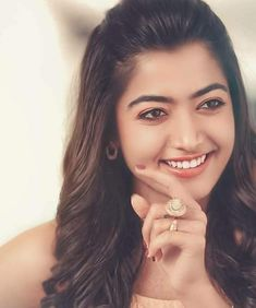 Rashmika Mandanna  Full HD Foto Geeta Govidamb Movie South Indian Actress SALUTE TO INDIAN ARMY DAY - JAN15 PHOTO GALLERY  | PBS.TWIMG.COM  #EDUCRATSWEB 2020-05-11 pbs.twimg.com https://pbs.twimg.com/media/DTk3c27VAAALKGx.jpg