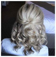 Mother Of The Bride Hair Short, Bridesmaid Hair Half Up Short, Mother Of The Groom Hairstyles, Half Up Wedding Hair, Wedding Hair And Makeup, Short Hairstyles For Wedding Bridesmaid, Bride Short Hair, Short Hair Updo, Half Updo Hairstyles
