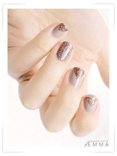 China Glaze - Glitter Goblin & Essie - Sand Tropez