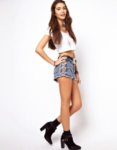 Image 1 of ASOS - high-waisted jeans shorts with acid wash and sides grating