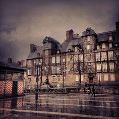 Place des Lices à Rennes, Bretagne.