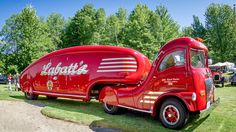 A rare 1947 Labatt Brewing Co. Streamliner, one of the amazing trucks ever built. Unedited History Photographs Not Appropriate For All Eyes Cool Trucks, Big Trucks, Cool Cars, Ford Pickup Trucks, Chevy Trucks, Lifted Trucks, Toyota Trucks, Lifted Ford, Classic Trucks