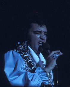 Elvis Presley Concerts, Elvis Presley Videos, Elvis In Concert, Elvis Presley Photos, Nassau Coliseum, Sites Like Youtube, Video Site, Graceland
