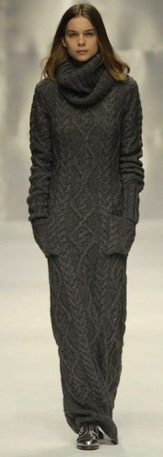 ZsaZsa Bellagio/ mi mum & i use 2 wear beautiful italian double knit sweater dresses such as this drop dead gorgeous one
