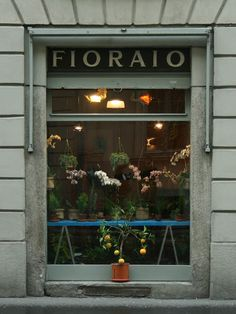 Fioraio Bianchi Caffè | Milan This fashion capital in Italy has amazing green space, delicious food, and of course great shopping. #VestiaireGoesGlobal