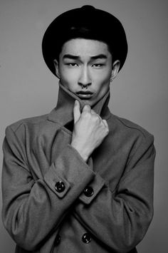 Kim Sang Woo.trench coat and black hat