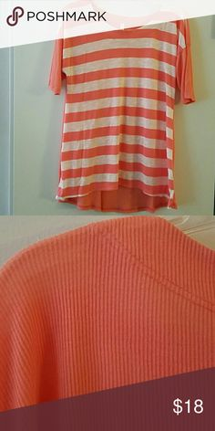 FLASH SALE!  NWOT Striped Tee NWOT Striped Tee.  Back and sleeves are a solid color ribbed fabric.  Feels amazing!  Size medium Tops Tees - Short Sleeve