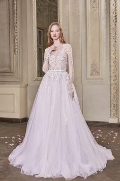 Eveline Wedding Gown #EvelineWeddingGown #OtiliaBrailoiuAtelier #weddingdress #AnUntoldPoem