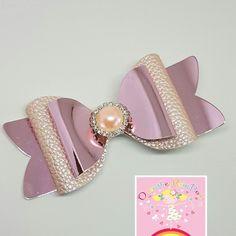 New hair accessories diy headband gifts Ideas Handmade Hair Bows, Diy Hair Bows, Making Hair Bows, Bow Hair Clips, Diy Headband, Headbands, Bow Bracelet, Hair Bow Tutorial, Felt Bows