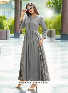 Make the heads turn whenever you costume up with this printed charming grey color rayon kurti The printed work appears chic and perfect for any event Kurta Designs Women, Kurti Neck Designs, Salwar Designs, Kurti Designs Party Wear, Blouse Designs, Indian Kurtis Designs, Kurtis Indian, Printed Kurti Designs, Party Wear Kurtis