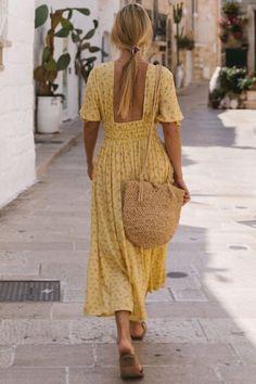 Dress Like A Parisian, Parisian Chic Style, Parisian Summer, Chic Summer Style, French Summer, Summer Holiday Style, Casual Street Style Summer, French Chic Style, Boho Chic Style