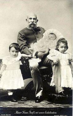 Kaiser Franz josef von Österreich mit Enkelkindern, Emperor of Austria with grandchildren by Miss Mertens, via Flickr