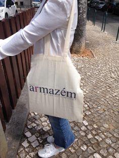 As sacolas do blog são lindas!!!... eu sei sou suspeita ;)