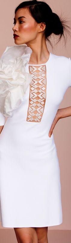 Vicedomini Spring 2018 RTW White Fashion, Spring Fashion, Glamour, Shades Of White, Black White Red, Winter White, Beautiful Bride, Couture Fashion, Fashion Dresses