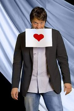 Misha Collins just sent me this and asked to be my valentine! :)♥