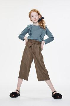 Outfits Niños, Kids Outfits, Fashion Outfits, Fashion Poses, Kids Fashion, Fashion Design, Fashion Drawing Dresses, Figure Poses, Model Test