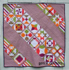 OH my gosh! Here we are - my finished Vice Versa Block of the Month Quilt!