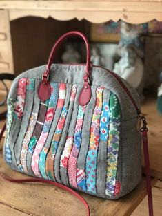 Image Article – Page 315674255130697274 Patchwork Bags, Quilted Bag, Fabric Bags, Fabric Scraps, Japanese Bag, Bag Patterns To Sew, Denim Bag, Cloth Bags, Tote Purse