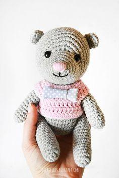 Crochet amigurumi bear with pink sweater - besenseless.blogspot.com