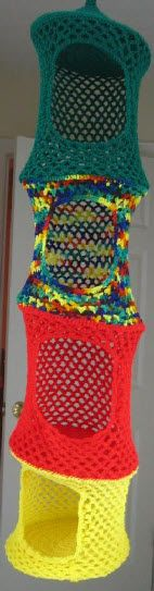 Hanging Toy Organizer .. maybe to hold yarn? ☺ Free Crochet Pattern ☺    to make with some yarn I do not like to wear, and also to make so I can put all the yarn I recieve or buy! good idea