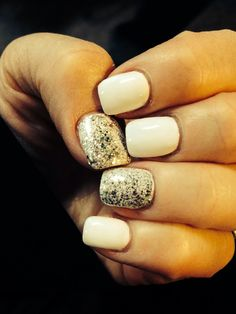 Nails silver sparkles and white
